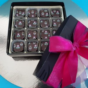 CHOCOLATS LAIT CARAMEL FLEUR DE SEL Coffret cadeau de 16